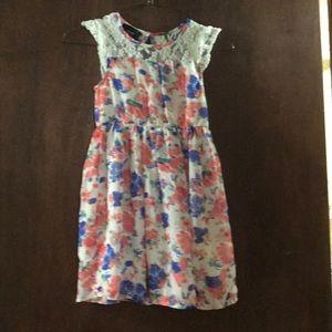 2/$13 👗 Girls floral 7/8 dress